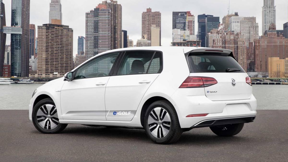4. Volkswagen e-Golf 2016-2017
