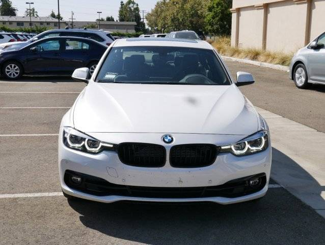 2018 BMW 3 Series WBA8E1C58JA178569