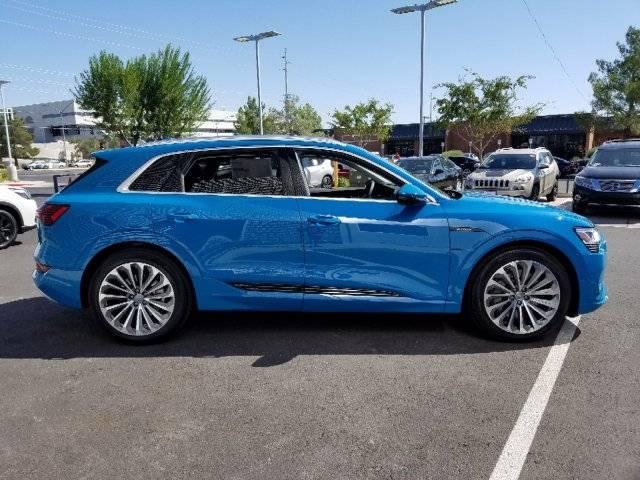 2019 Audi e-tron WA1VAAGE9KB009825