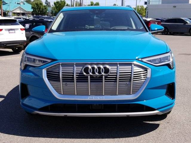 2019 Audi e-tron WA1VAAGE3KB012252