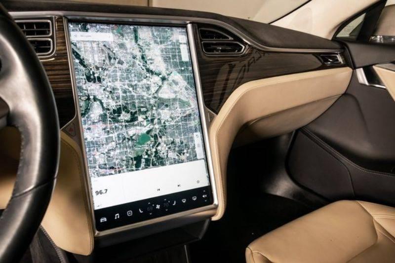 2015 Tesla Model S 5YJSA1H23FF094158