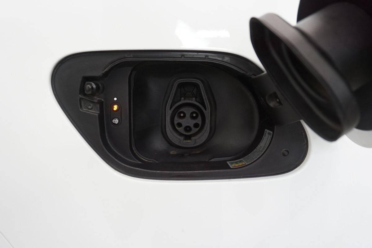 2016 Volkswagen e-Golf WVWKP7AU3GW902857
