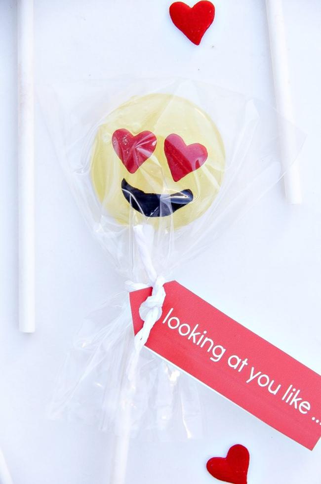 Emoji Lollipop Valentine's Day Gifts