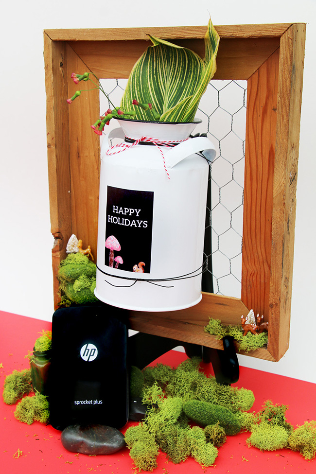 DIY Wired Picture Frame Flower Vase