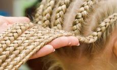 Hair_braiding_8