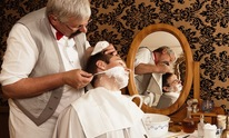Kings & Queens Barber Style Salon: Hot Shave