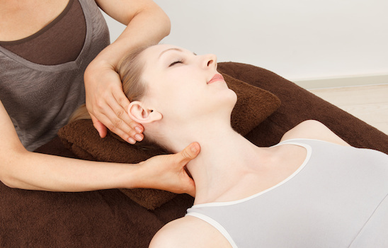 Chiropractic_treatment_f