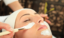 Alley Cats Salon: Facial