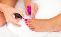 Diamond Nail Salon: Mani Pedi