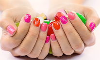 T V Nails and Spa: Manicure