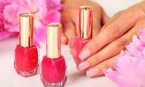 Lather Spa & Salon: Manicure