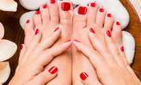 Hollywood Hair Designs: Pedicure