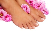 T N Nails: Pedicure