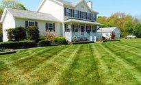 New York Landscape: Lawn Mowing