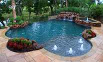 MGN Pools: Pool Cleaning