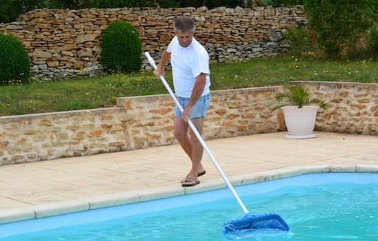 Pool_cleaning_8