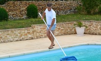 GARRETT VINYL POOLS INC.: Pool Cleaning