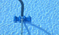 Deep South Gunite Pools: Pool Cleaning