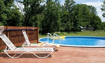 Magestic Pool & Spa Service: Pool Cleaning