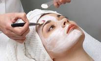 Threading Eyebrows: Facial