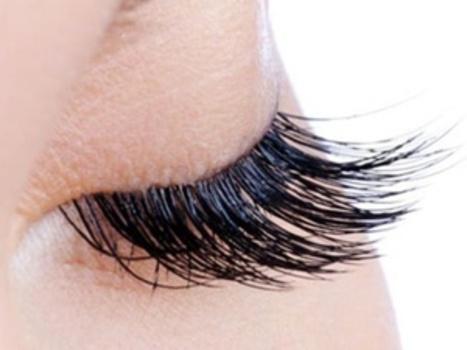 Eyelash-extensions2
