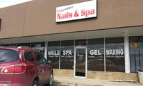 Exquisite Nails & Spa: Manicure