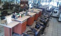 Elegant Barbershop: Hot Shave