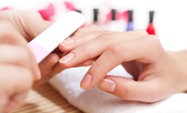 Body Business Day Spa: Manicure
