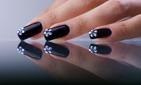 Diamond Nail Salon: Manicure