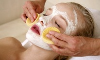 Anna Salon & Spa: Facial