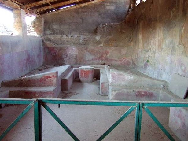 Pompei's triclinium, photo courtesy of http://blogs.getty.edu/iris/reclining-and-dining-and-drinking-in-ancient-rome/