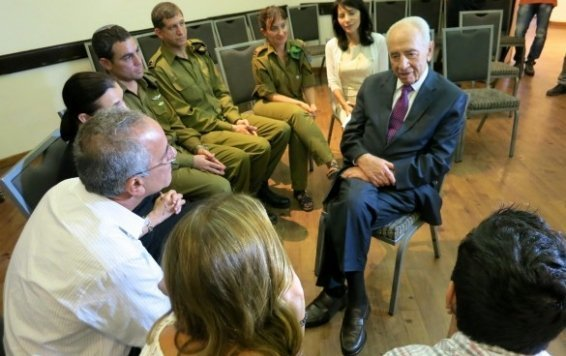 """Thank you for bringing up such a child,"" Israeli President Shimon Peres told the Steinbergs at their mourning shiva."