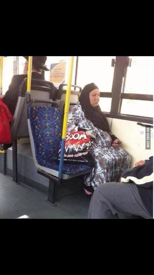 arab-woman-boom-bag