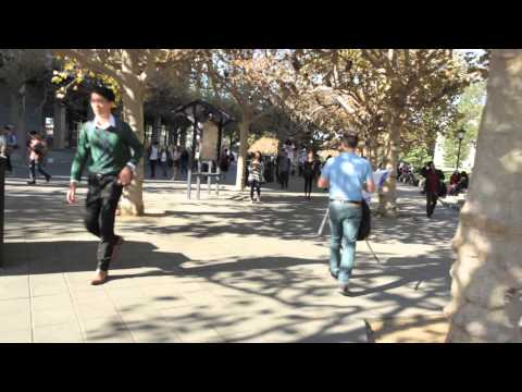Berkeley Student react to ISIS flag (Ami on the Street)