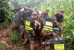 10 dead, 10 missing in China mudslide