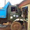 Photos: Truck crashes into shops in Ikorodu