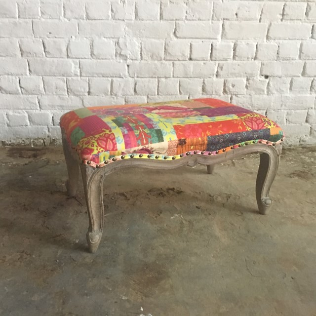 Surprising Sari Bench Gmtry Best Dining Table And Chair Ideas Images Gmtryco