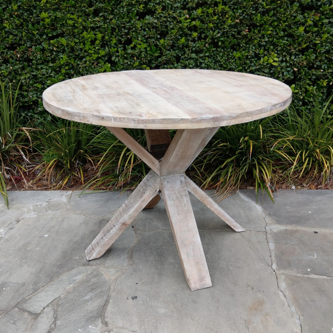 Nz046 42 Inch Round Dining Table 398 Nadeau Charlotte