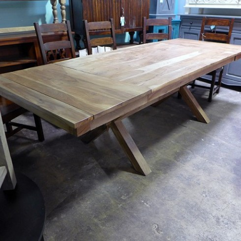 Gentil Cross Leg Dining Table
