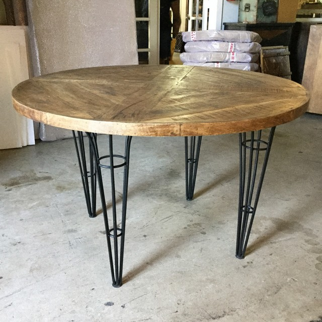 on sale d0a5c 9749c Industrial Round Dining Table