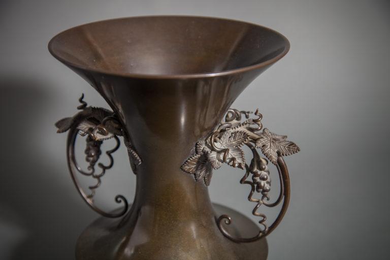 Early 19th Century Superior Quality Japanese Bronze Vase