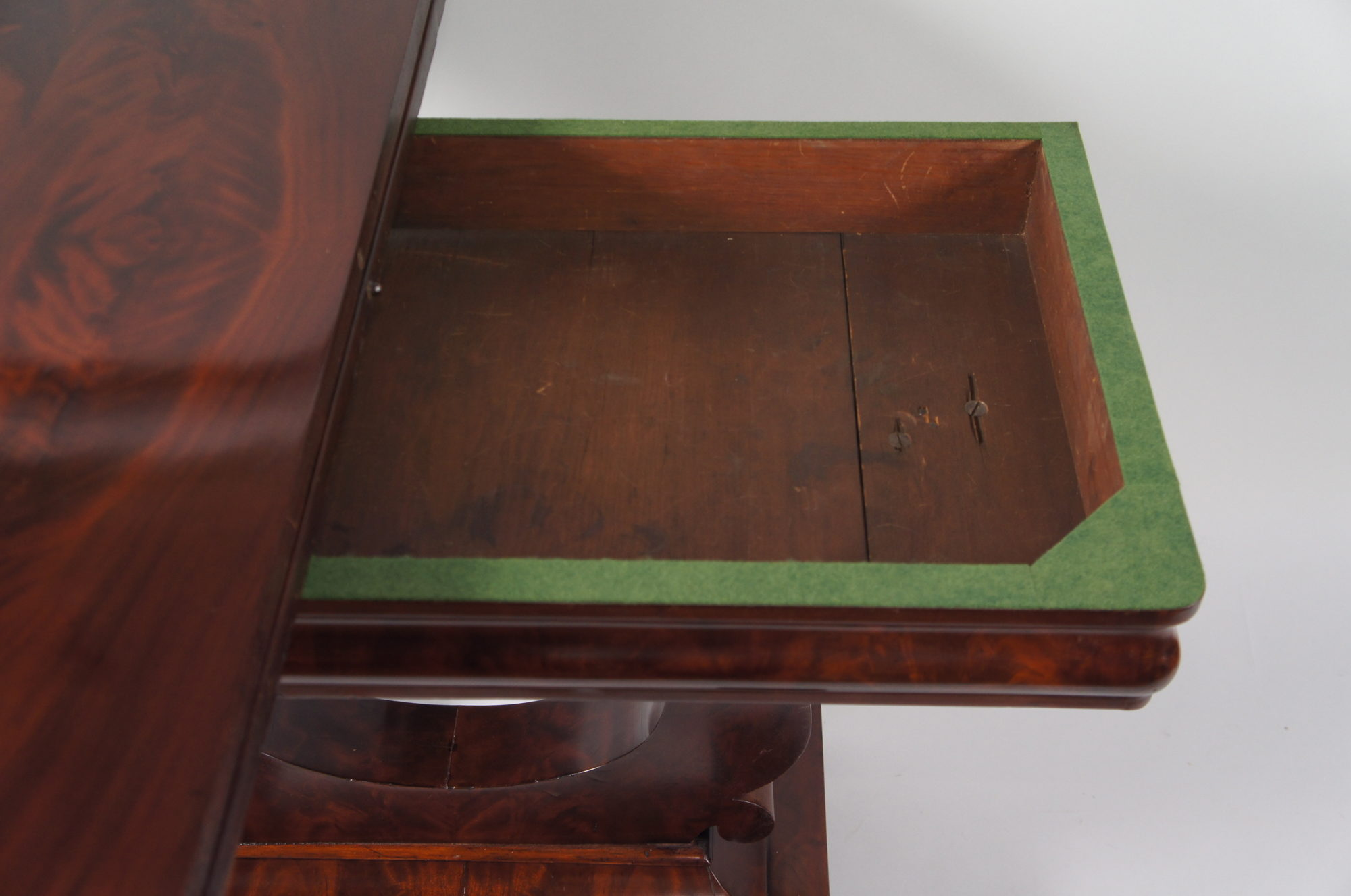 American Mahogany Extendable Games Table