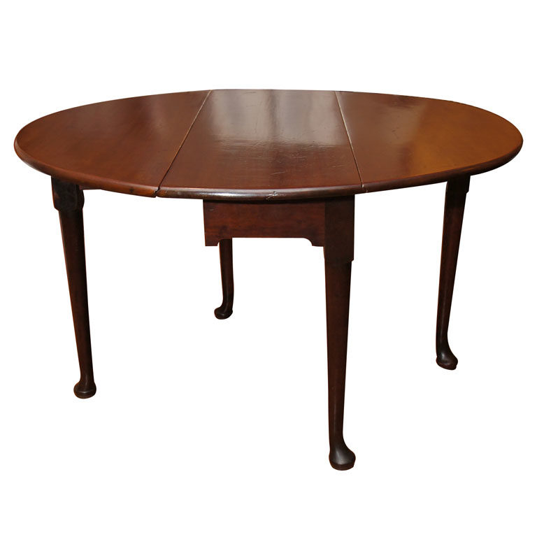 American Queen Anne Mahogany Round Drop-Leaf Table with Pad Feet, 18th Century