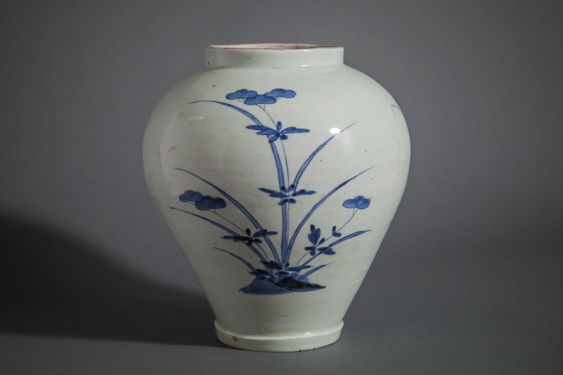 Blue and White Imari Jar (Tsubo)