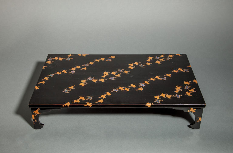 Black Lacquer Flower Arranging Table