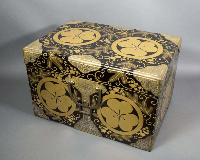 Japanese 19th Century Lacquer Kimono Storage Box With Gold Designs