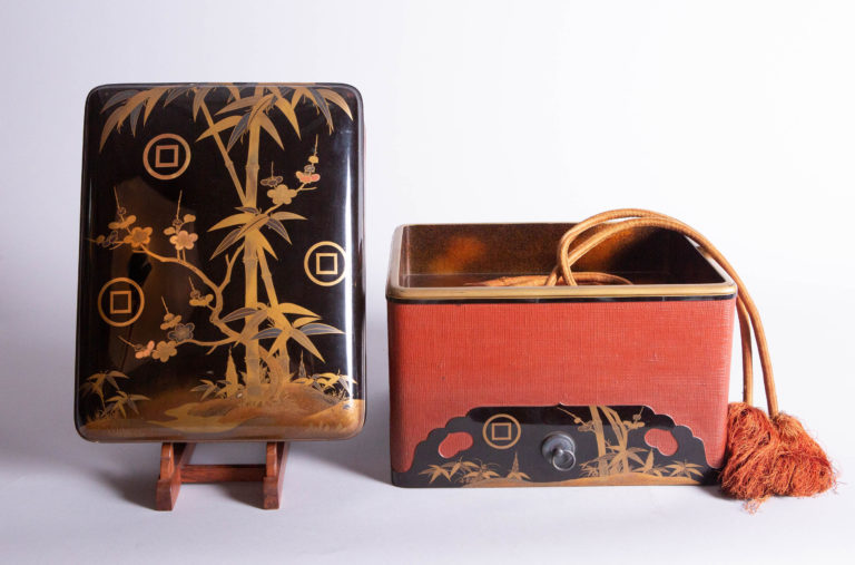 Japanese 19th Century Lacquer Letter Box With Red Lacquered Fabric