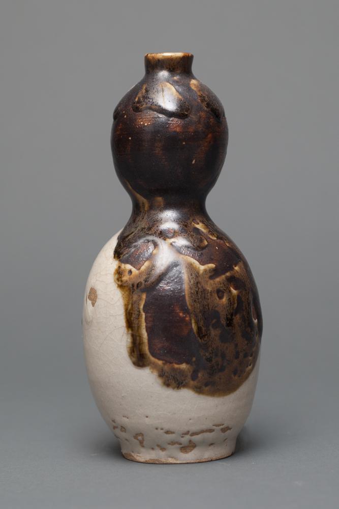 Japanese Gourd-Shape Tokkuri (Sake Bottle)