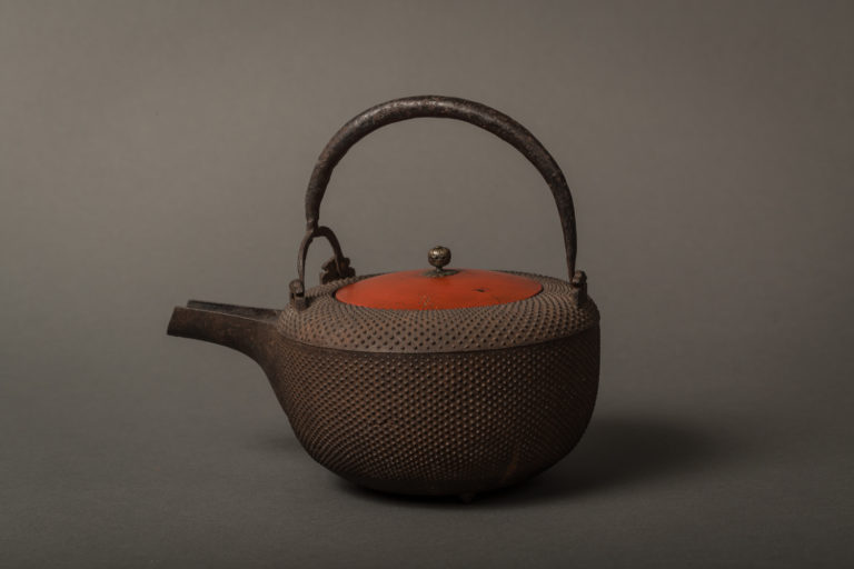 Japanese Iron Tea Pot with Lacquer Lid