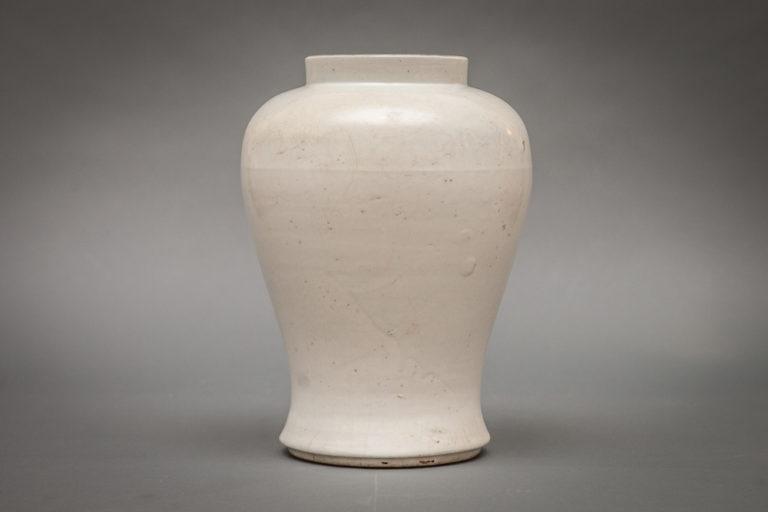 Japanese Late 18th – Early 19th Century Hirasa-ware Jar